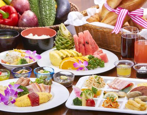 ★マハイナウエルネスリゾートオキナワ_朝食イメージ
