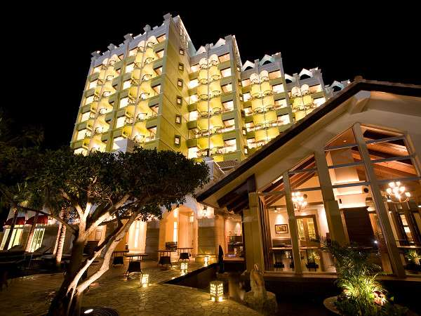 ★Okinawa Spa Resort EXES_外観